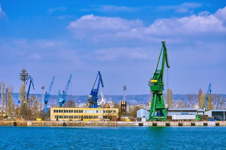 Valgevene tahab tarnida endale naftat ka Baltimaade sadamate kaudu