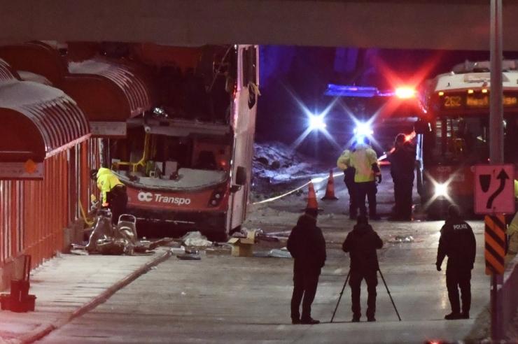 Kanadas sõitis bussijuht peatuses surnuks kolm inimest