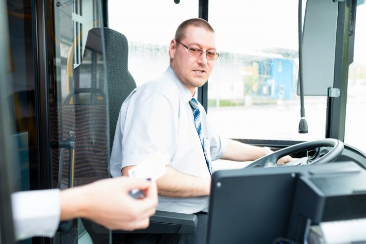 Tallinna Linnatransport otsib bussijuhte ja lukkseppi