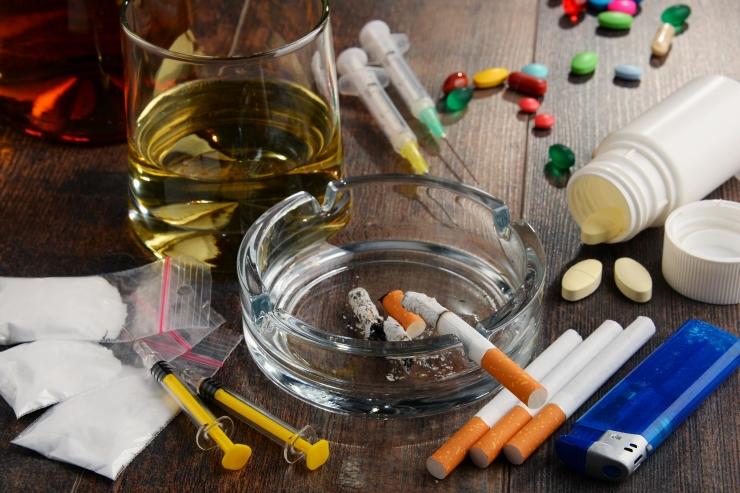 Ida prefektuur paljastas alaealistele uimasteid müünud jõugu
