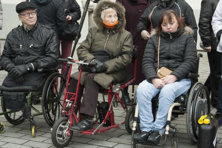 Eksperdid otsivad lahendusi puuetega inimeste probleemidele