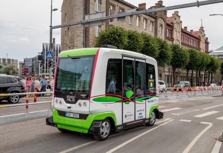 KUMUni hakkab kultuurihuvilisi sõidutama isejuhtiv buss