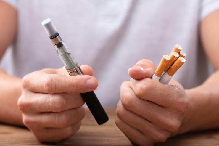 Riigikogu kaalub e-sigareti piirangute leevendamist