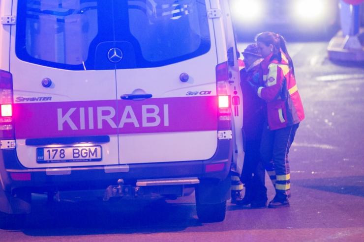 Kümnes raskes liiklusõnnetuses sai kokku vigastada 21 inimest
