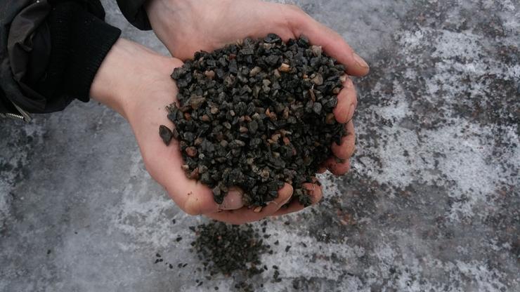 Kristiine linnaosas jagatakse graniitsõelmeid