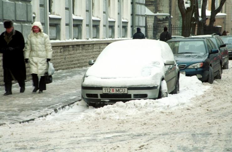 Mupo: Põhja-Tallinnas takistavad valesti parkivad autod lumekoristust