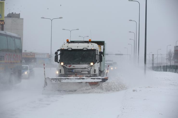 Lasnamäe Linnaosa Valitsus eraldas lumetõrjeks täiendavaid vahendeid