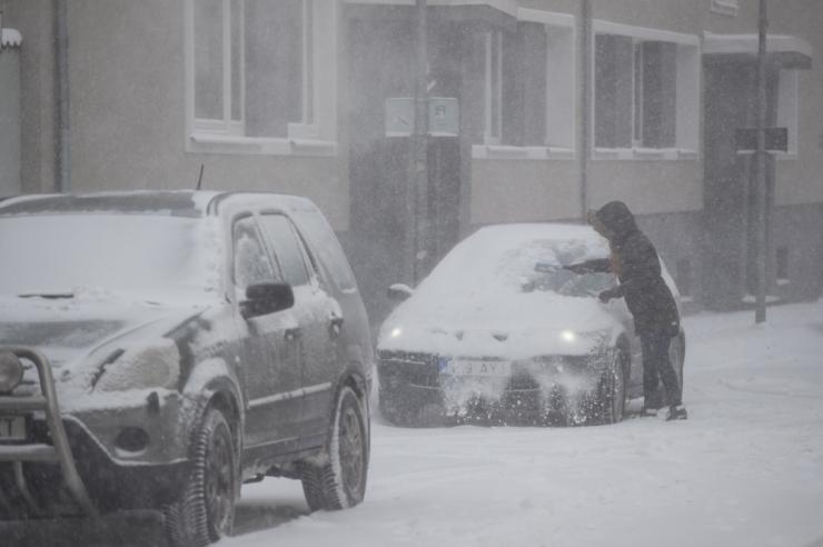 Talvel aitab puhtuse hoidmine autos ennetada õnnetusi