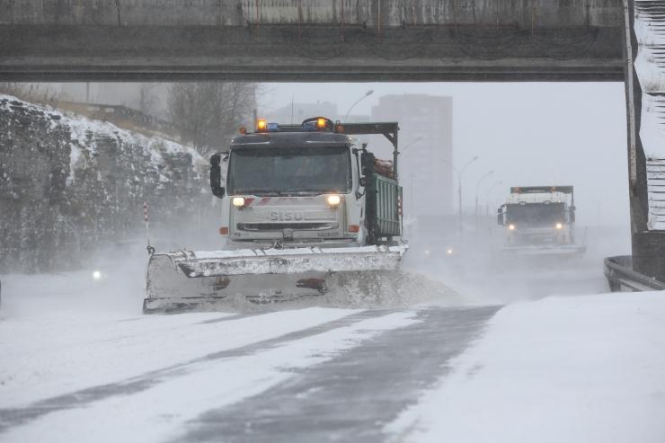 Tallinna tänavatelt teisaldati 18 197 kuupmeetrit lund