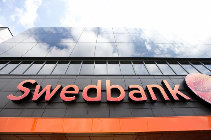 Meedia: Swedbankil lasub kahtlus Danskega seotud rahapesus