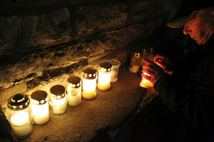Pommitamise aastapäeval võib Harju tänaval mälestusküünla süüdata