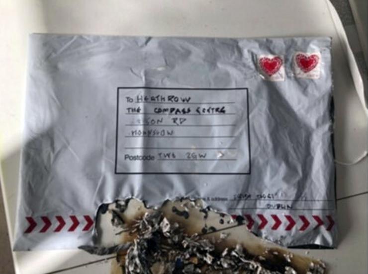 Londonist leiti kolm pakki isevalmistatud lõhkeseadeldistega