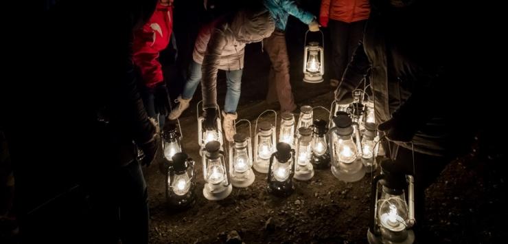 Tallinna linn kutsub taas tasuta laternamatkale