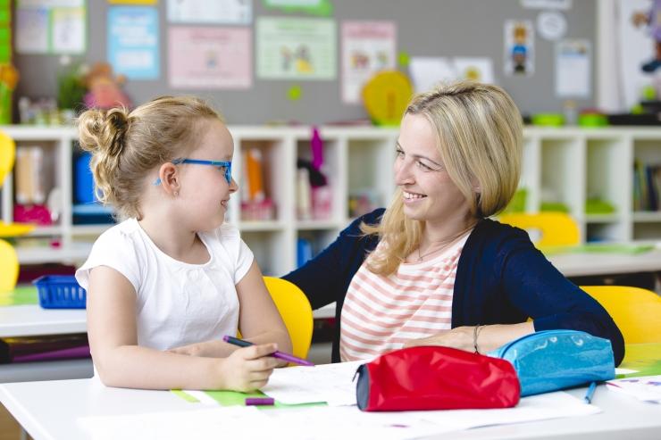 Läti peaminister imestab: kuidas on Eestil võimalik õpetajatele kaks korda rohkem maksta?