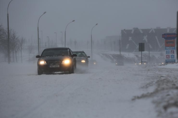 Ilmateenistus ennustab neljapäevaks suurt lumesadu