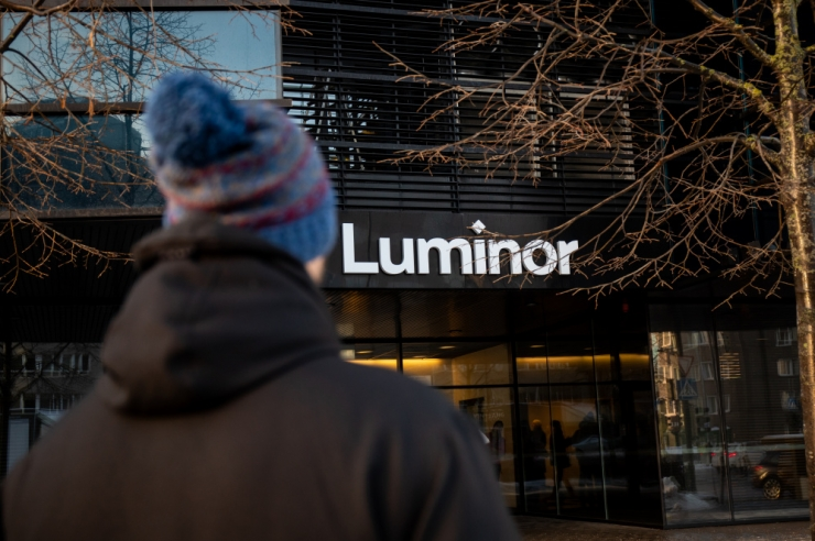 Luminor sulgeb Tallinnas Hobujaama pangakontori
