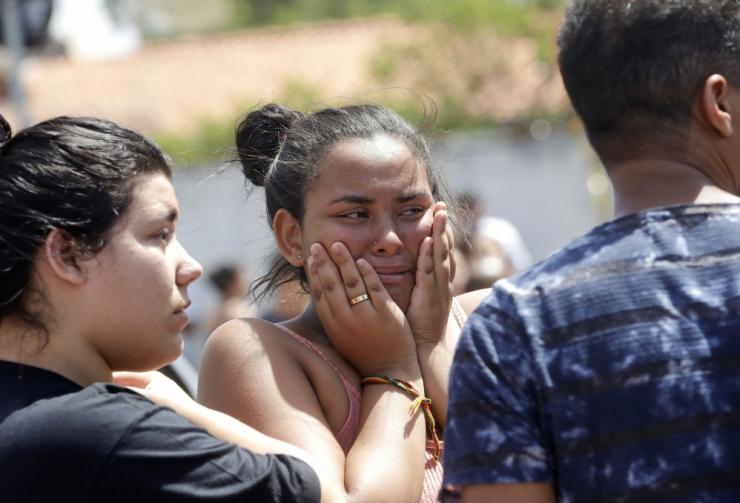 Brasiilias lasid kaks ründajat koolis maha kaheksa inimest