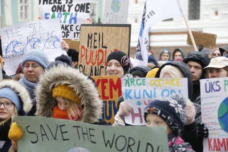 FOTOD KLIIMAPROTESTILT! Kristin Siil: tehnoloogia arengust hoolimata ei tehta piisavalt pingutusi kliima soojenemise takistamiseks