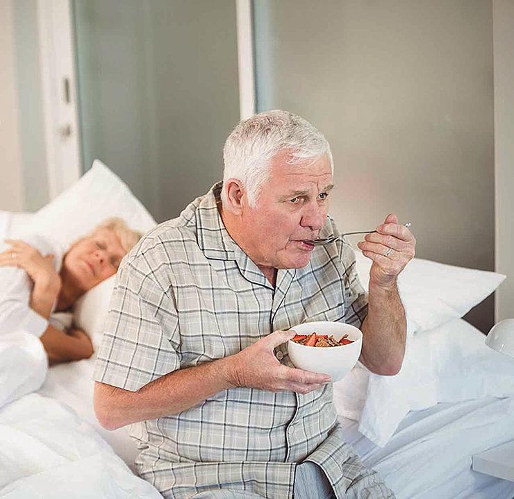 """SASSIS MÄLU: Dementsusega eakad hakkavad lapsi  """"kaotama"""" ja tellivad internetist kallist kaupa"""