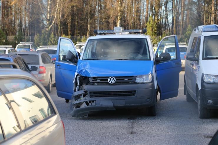 Politseibuss sattus liiklusõnnetusse