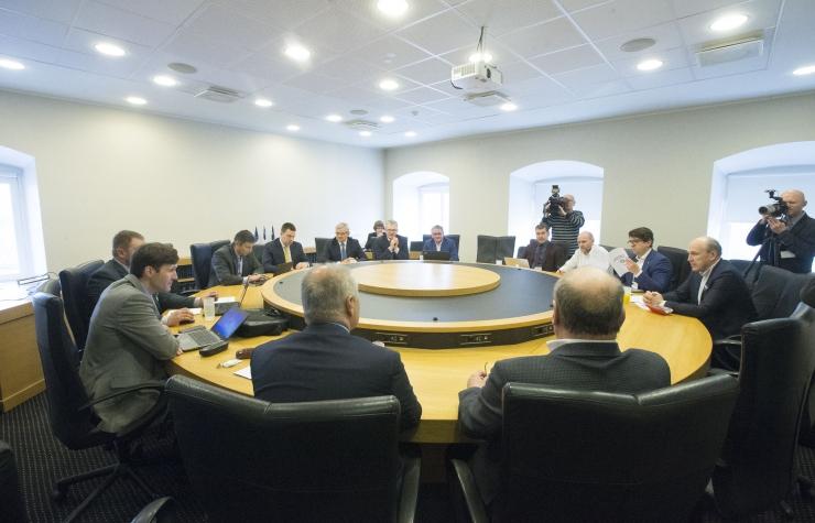 Koalitsioonikõneluste teemadeks on keskkond, energeetika ja transport