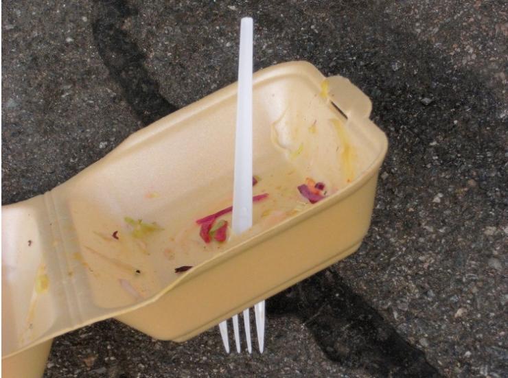 Tallinn keelustab sügisest ühekordsete plastnõude kasutamise avalikel üritustel