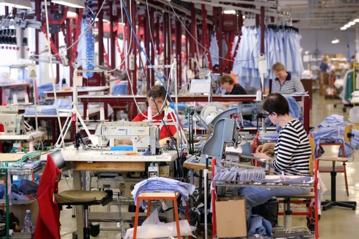 Sangar lõpetab Eestis tootmise