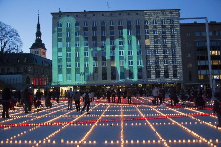 GALERII: Tallinn tähistas märtsiküüditamise 70. aastapäeva