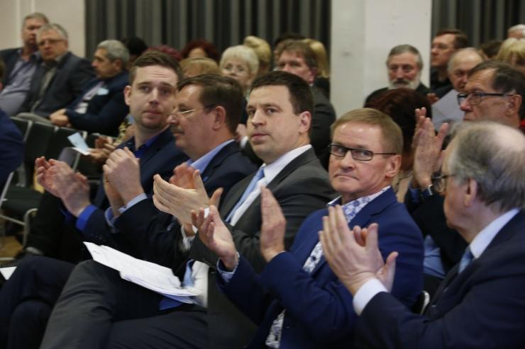 GALERII: Keskerakonna europarlamendi esinumber on Yana Toom