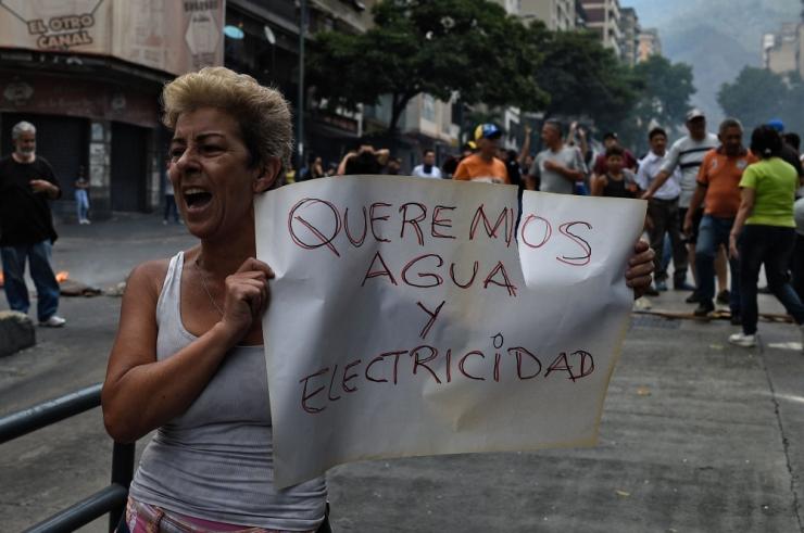 Venezuela võimud vähendasid tööpäeva pikkust
