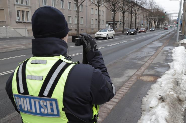 LIIKLUSTALGUD: Politsei fikseeris 84 rikkumist tunnis