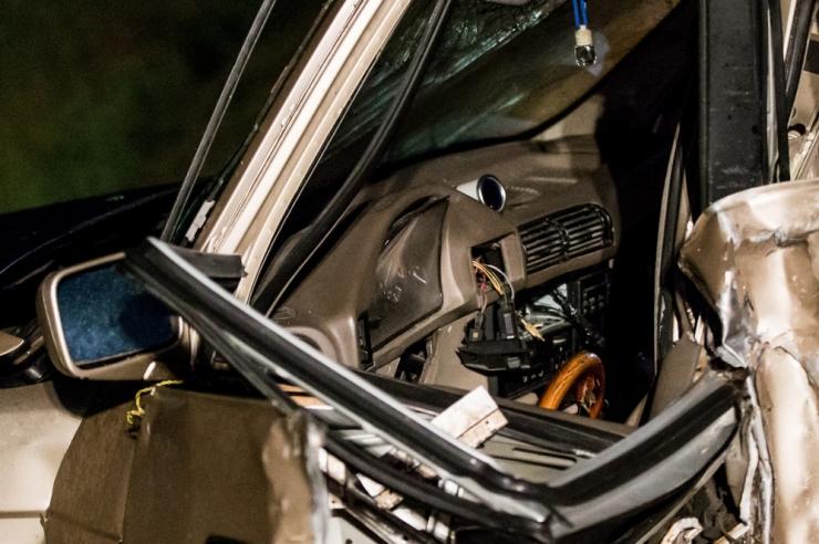 Pärnumaal hukkus veoki ja sõiduauto kokkupõrkes noor mees