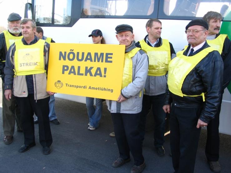 Ametiühing: bussijuhtide palk peaks tõusma 1200 euroni