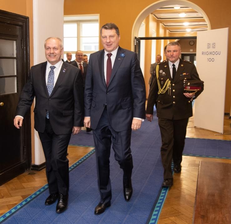 GALERII: Riigikogu esimees ja Läti president kõnelesid kohtumisel regionaalsest koostööst