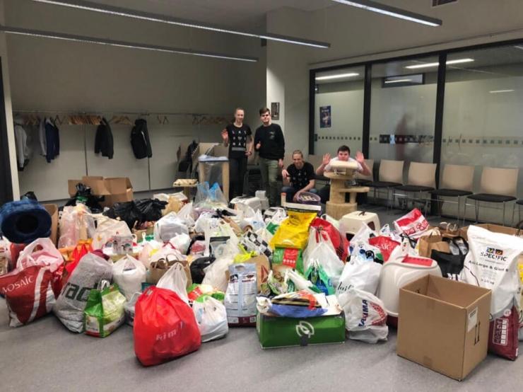Lasnamäelased annetasid varjupaiga loomadele kolm väikebussitäit toitu