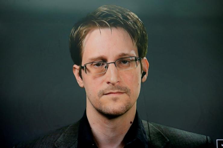 Snowden: Assange'i vahistamine on pressivabaduse mustim päev