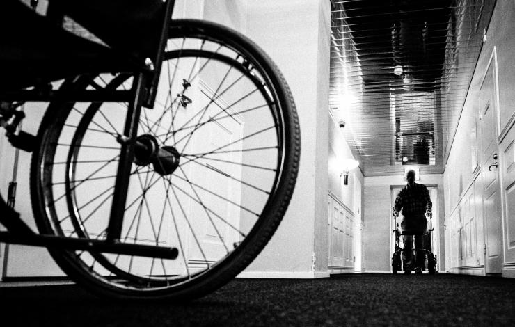 Savisaar: puuetega inimestele mõeldud taristu jätab Tallinnas soovida