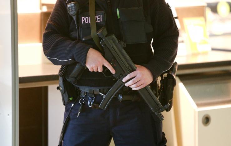 Politseinik sai juhulasust raskelt vigastada