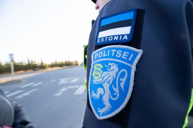 Politsei pidas kinni turvatöötajate ees pomminalja teinud mehe
