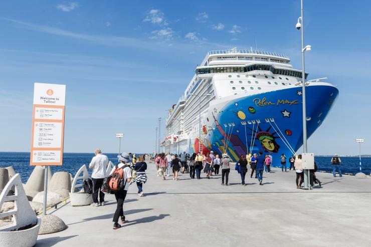 Homme saabub Tallinna esimesed 2600 kruiisituristi