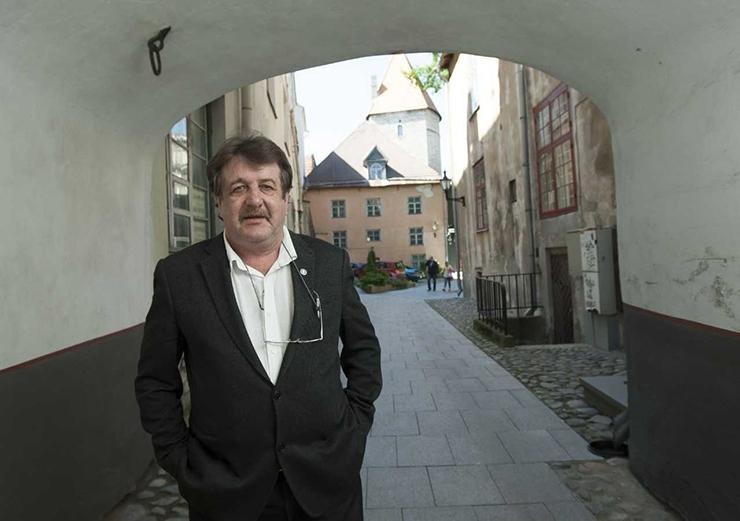 BORISS DUBOVIK: Sakslased on lasknud oma maal paljudel keskaja  hoonetel hävineda – kutsusin nad paremini hoitud Tallinna imetlema