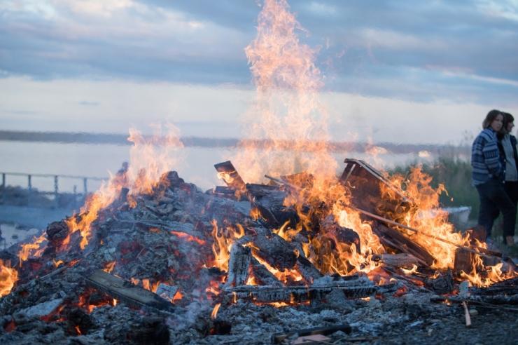 Terve Eesti sai teise taseme tuleohuhoiatuse