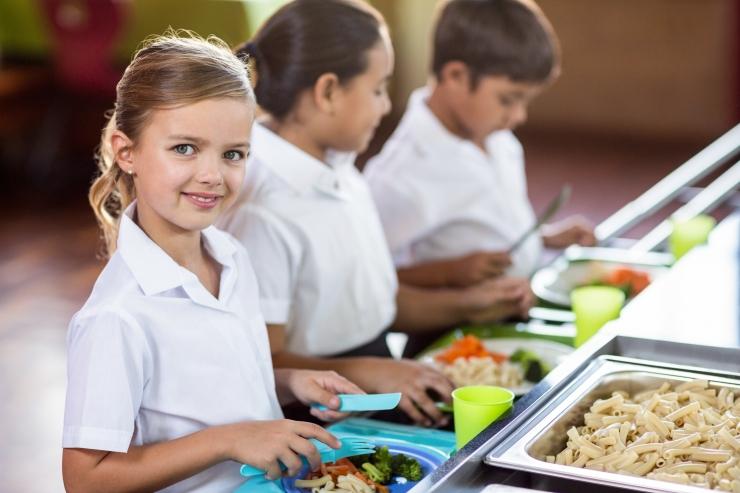 18 kooli hoolekogud taotlevad Tallinnas koolitoidu hinnatõusu