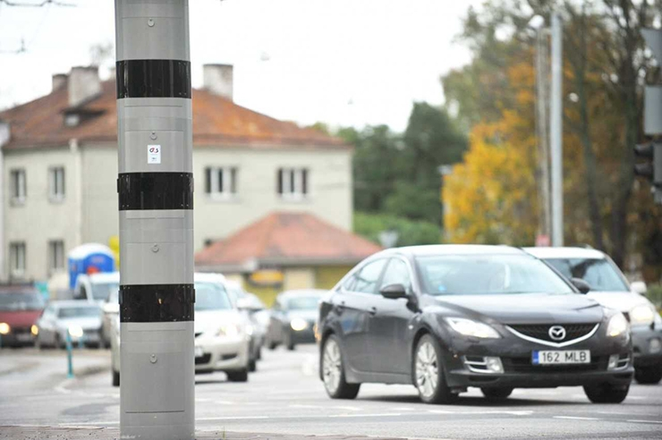 Liikluskaamerad ohjeldavad nüüd ka punase tulega sõitjaid
