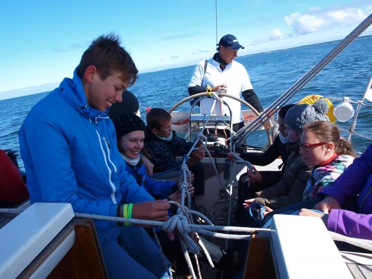 Lastekaitsepäev viib noored Tallinna lahele tasuta purjetama
