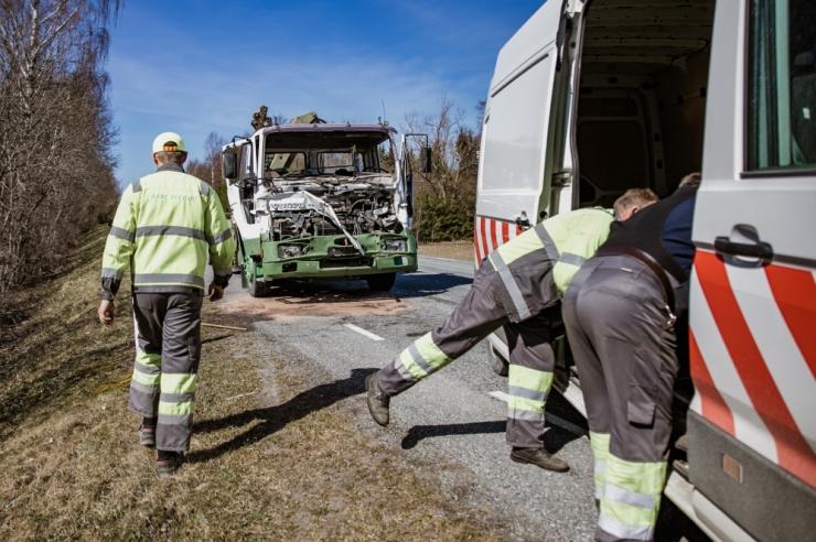 Liinibuss sattus Tallinna-Narva maanteel raskesse õnnetusse
