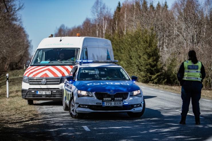 Viljandimaal hukkus raskes liiklusõnnetuses veokijuht