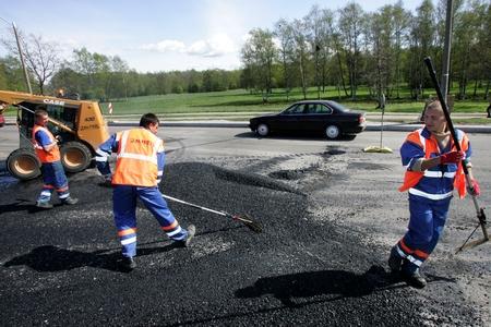 Pirital algab kvartalisiseste teede remont