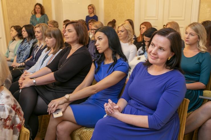 GALERII! Tallinn tunnustas lastekaitsetöötajaid ja nimetas aasta parima