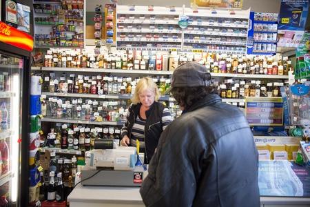 Väikekaupmehed soovivad erandit alkoholi väljapaneku piirangu nõudesse